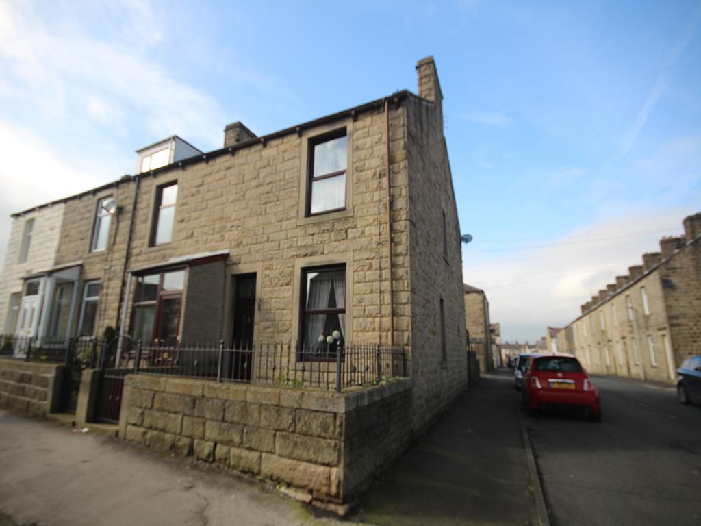 3 bedroom end terrace house For Sale in Barnoldswick - Property photograph